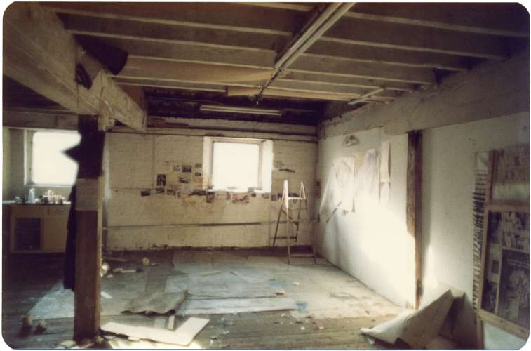 vacated studio, Butler's Wharf, 1979 (photo: Fran Cottell)